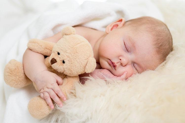 По мірі того, як діти ростуть, вплив сну на їхній мозок змінюється. Фото oksun70/Depositphotos