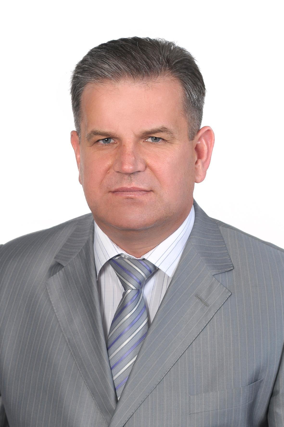 ЯСЕНЮК Ігор Євгенович