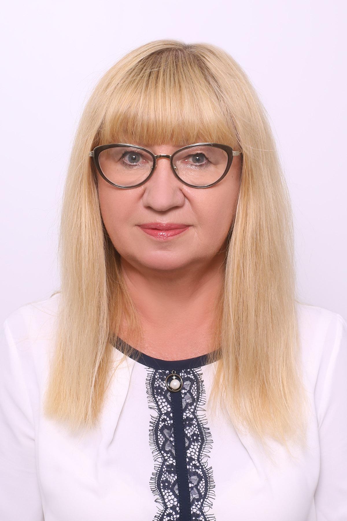 ЛОЗОВА Оксана Василівна
