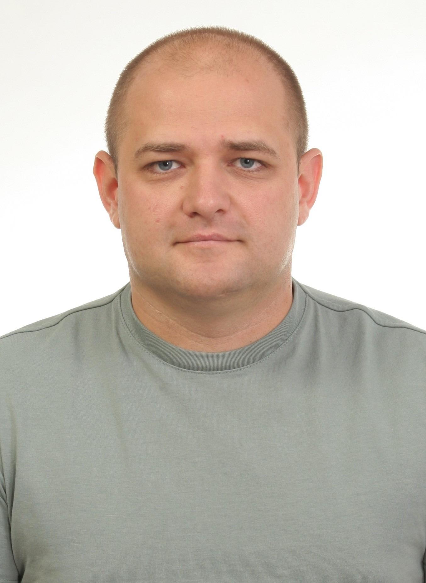 ПЕХОТІН Андрій Васильович